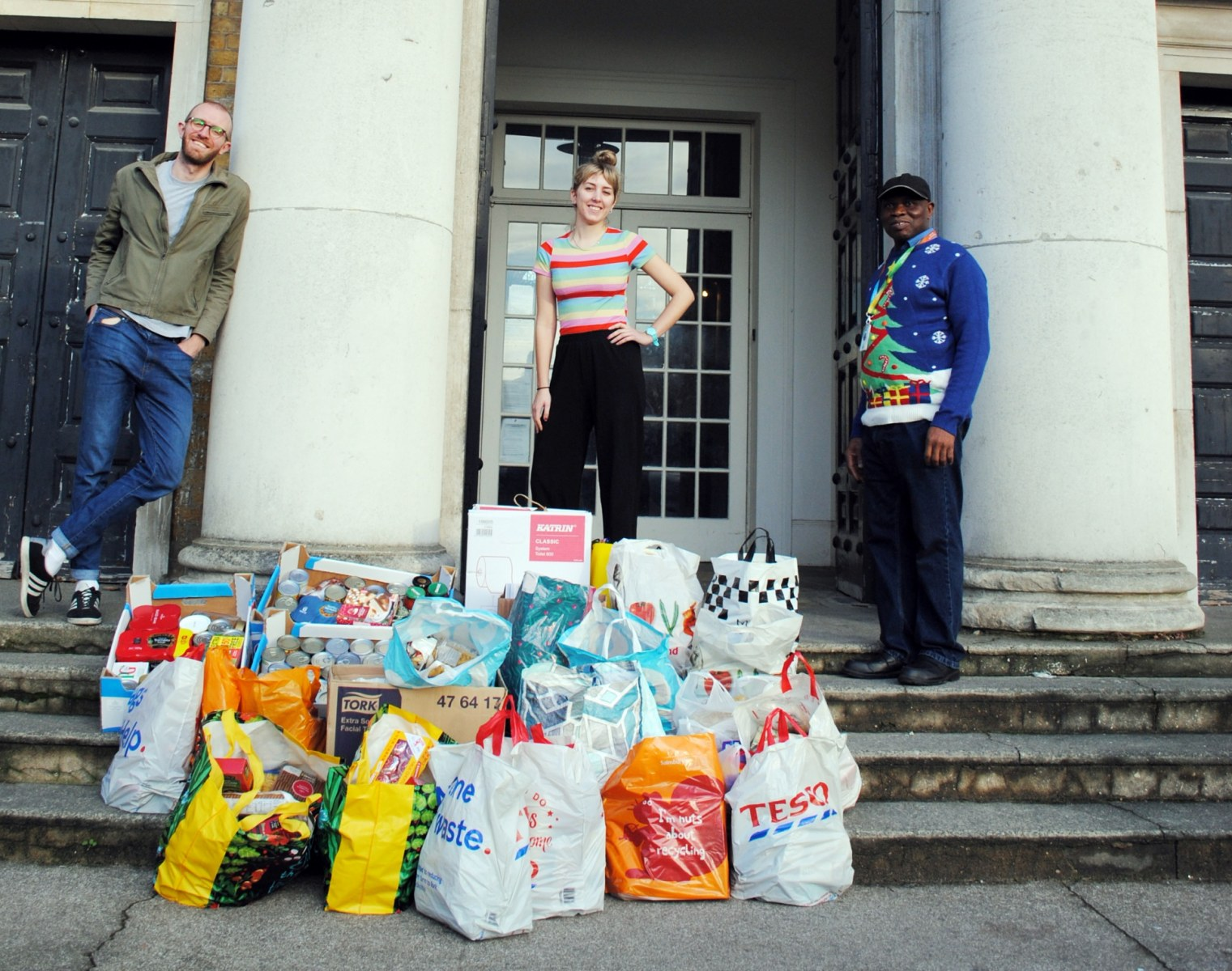 Food delivery to Walworth community Picture 1